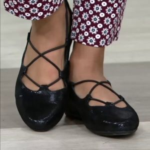 Earthies Essen shimmering black flats shoes. S 8.5